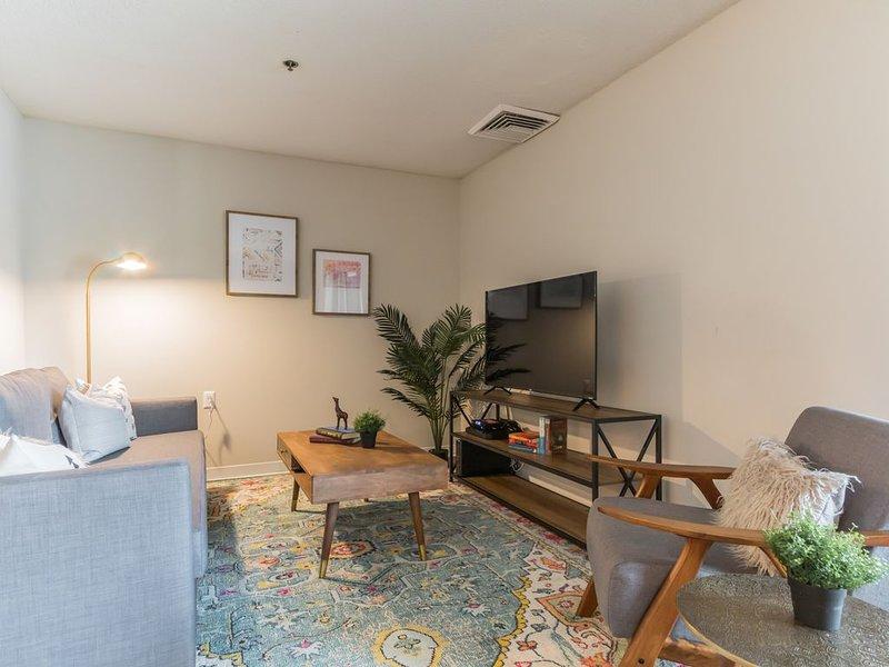 Centrally Located Suite Outside DC + Gym + Pool, location de vacances à Woodbridge