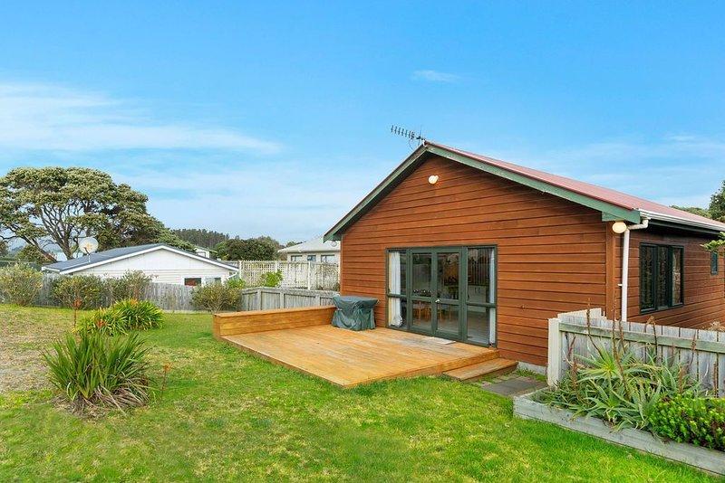 Heperi Haven - Waikanae Beach Holiday Home