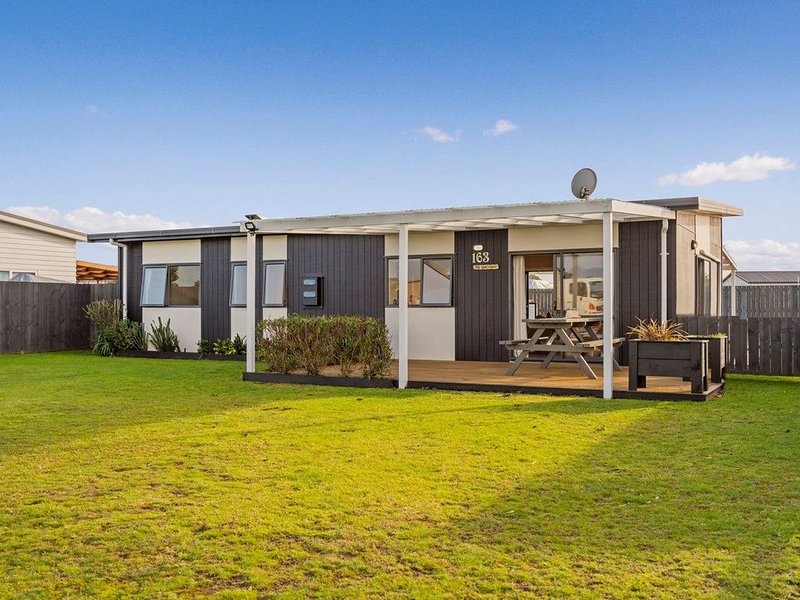 The Harbourside Bach - Matarangi Holiday Home – semesterbostad i Matarangi