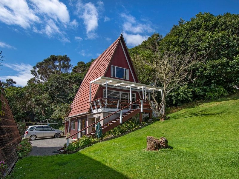 The Tree House Wairoro Park - Russell Holiday Home, holiday rental in Rawhiti