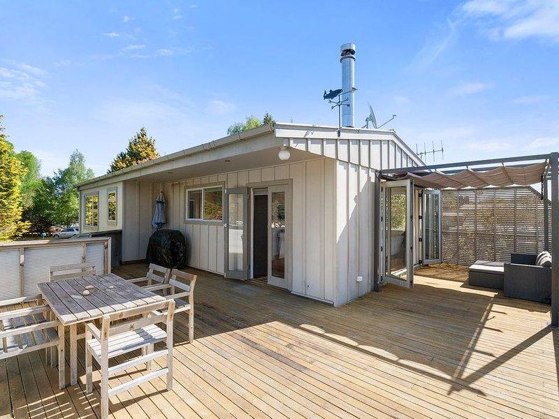 Mojo's Manor - Taupo Holiday Home, location de vacances à Motuoapa