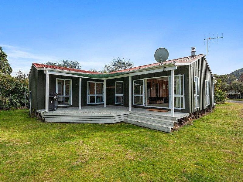 Dodds Delight - Kuratau Holiday Home, holiday rental in Turangi