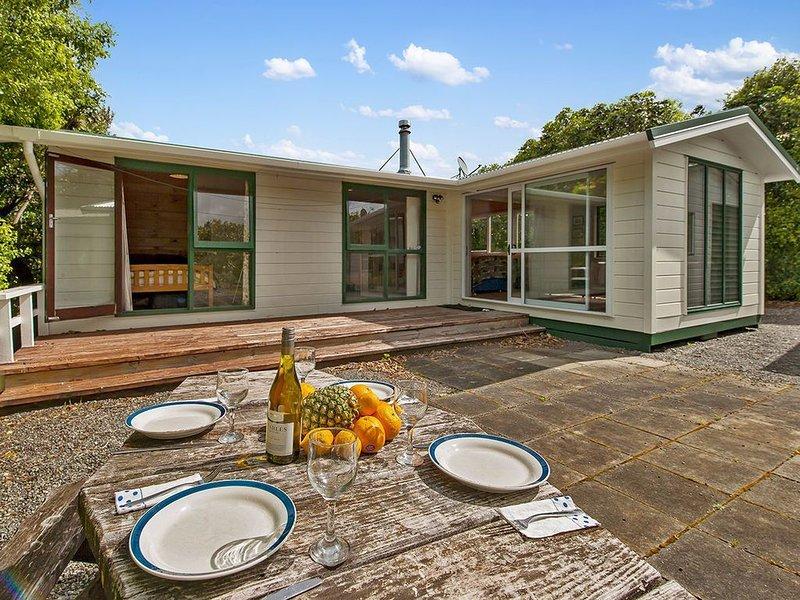 Little Lockwood - Kuratau Bach, holiday rental in Turangi