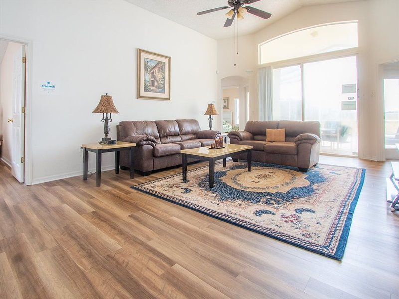Sunshine ☀️ Love ❤️ and Happiness � - Perfectly Located in a Quiet Subdivision, location de vacances à Polk City