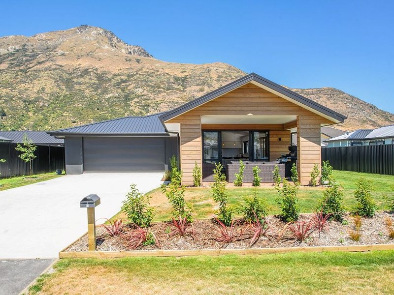 Wanderlust - Queenstown Holiday Home, holiday rental in Gibbston