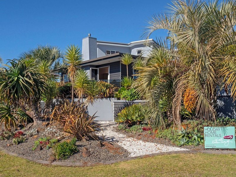 Cooks Sanctuary - Cooks Beach Holiday Home, holiday rental in Whitianga