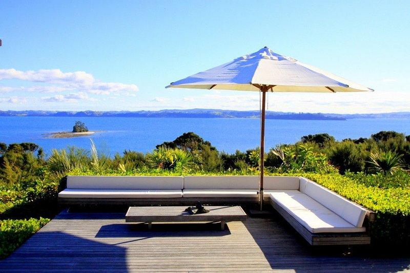 Luxury Kawau Island Holiday Home, holiday rental in Leigh