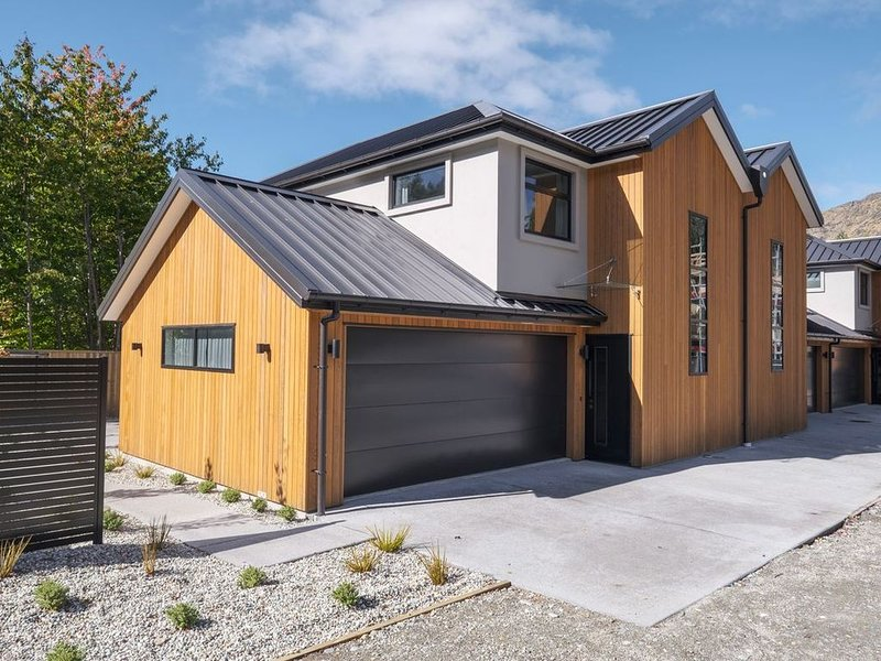 Arthurs Point Villa - Queenstown Holiday Home, holiday rental in Glenorchy