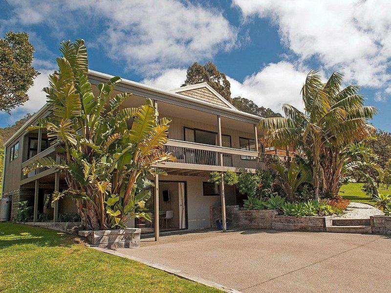 Hahei Sunscape - Hahei Holiday Home, vacation rental in Hahei