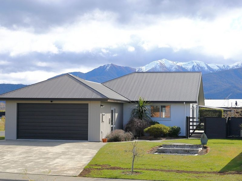Acacia Lodge - Te Anau Holiday Home, location de vacances à Fiordland National Park
