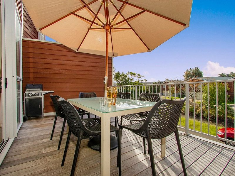Oceans on Eyre - Buffalo Beach Holiday Apartment, holiday rental in Whitianga