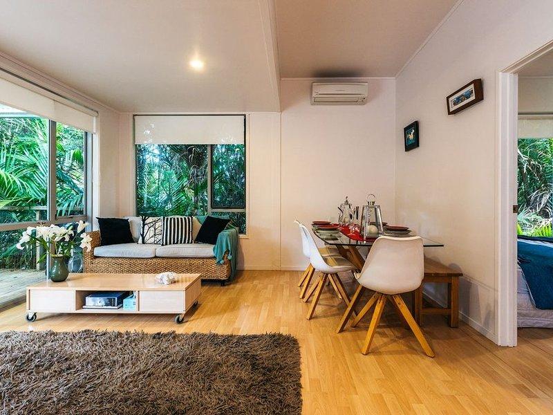 Peace & Harmony - Onetangi Holiday Home, holiday rental in Onetangi