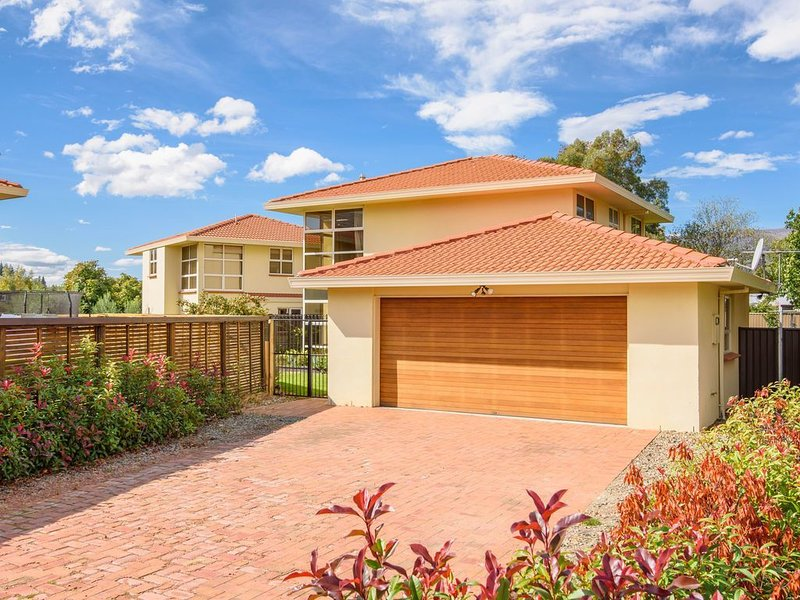 Waenga Wonder - Cromwell Holiday Home, holiday rental in Clyde