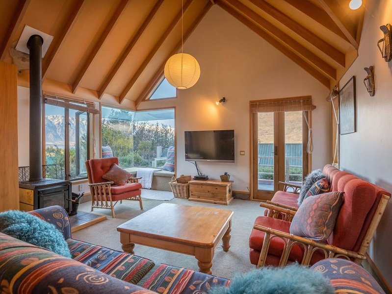 Evergreen Haven - Queenstown Holiday Home, holiday rental in Glenorchy