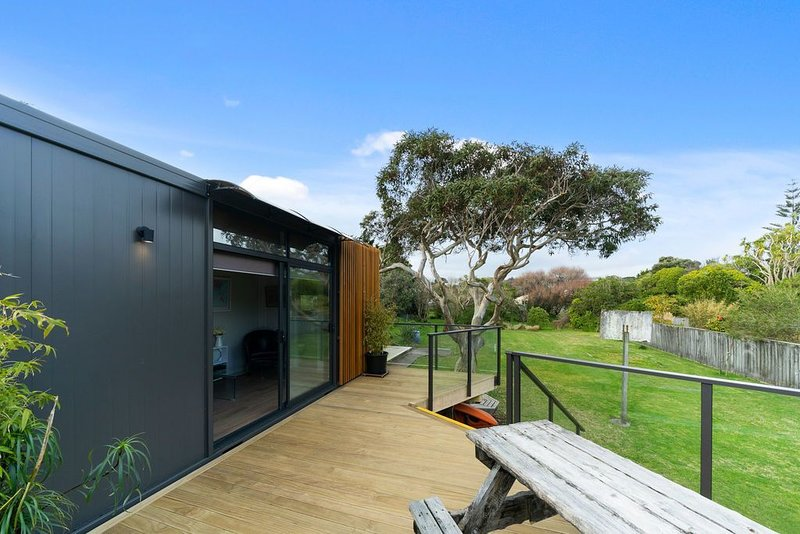 Calapso Cottage - Waikanae Beach Holiday Home, vacation rental in Kapiti Coast