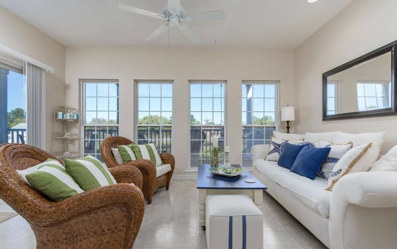 Spectacular well stocked townhouse minutes from Bethany Beach, vacation rental in Millville