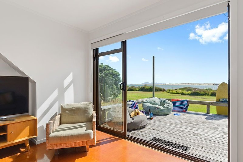 Harbour Haven - Mangawhai Heads Holiday Home, holiday rental in Kaiwaka