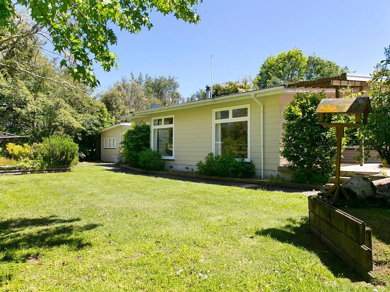 The Trout House - Turangi Holiday Home, holiday rental in Turangi