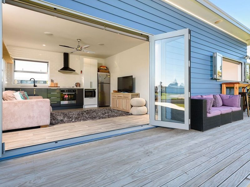 Escape on Edinburgh - Waihi Beach Holiday Home, vacation rental in Te Aroha