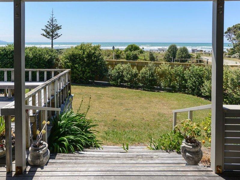 Bach 112 - Waimarama Holiday Home, alquiler de vacaciones en Havelock North
