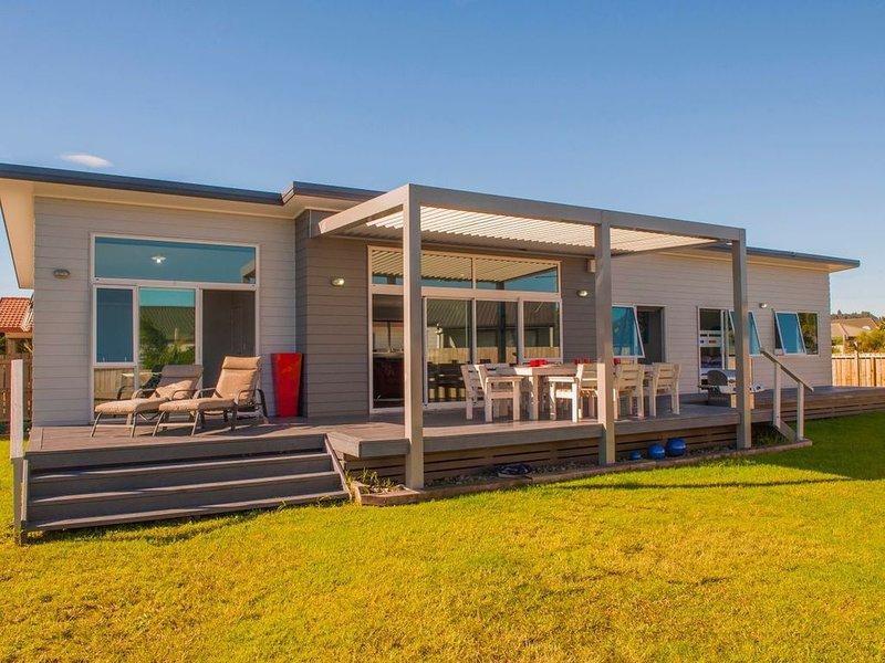 Belair Bach - Whitianga Holiday Home, holiday rental in Whitianga