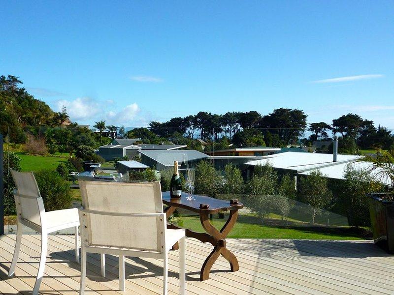 No 5 - Kuaotunu Holiday Home, holiday rental in Port Charles