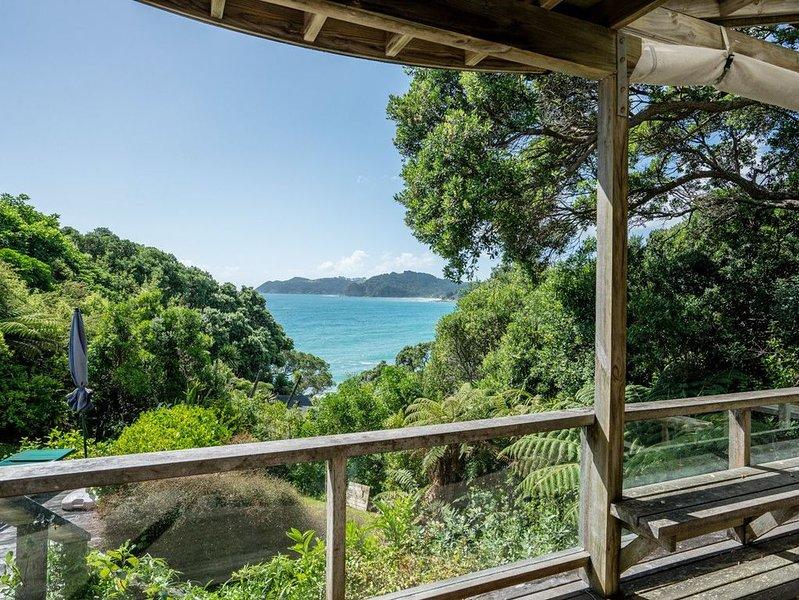 Langs Hideaway - Langs Beach Holiday Home, holiday rental in Whangarei Heads