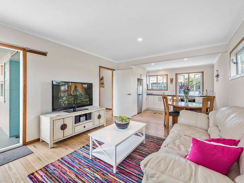 The Beach House - Mount Maunganui Holiday Home, location de vacances à Paengaroa