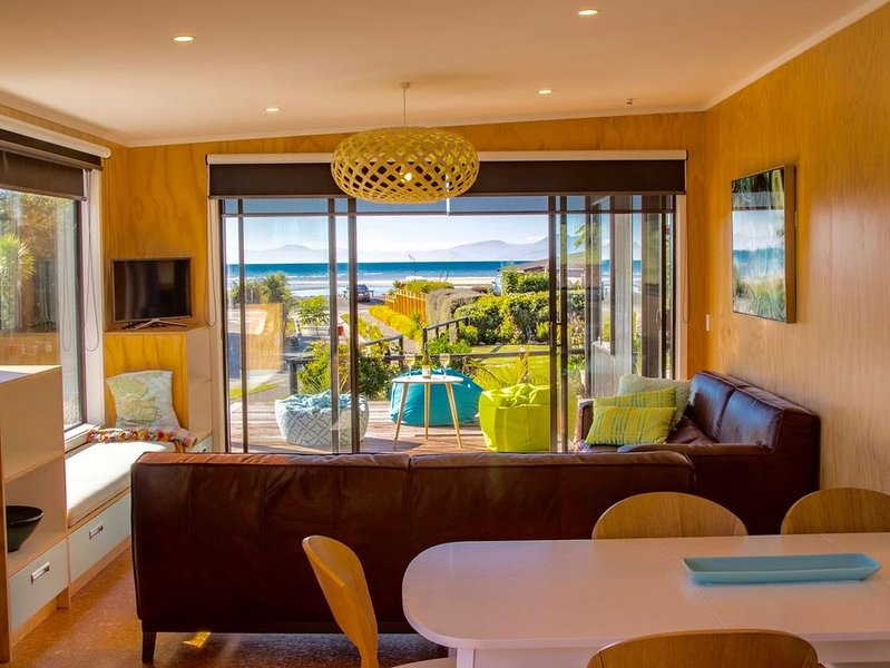 Bach 7 by The Sea - Marahau Holiday Home, alquiler de vacaciones en Takaka