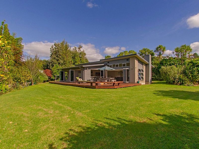 Cooks Getaway - Cooks Beach Holiday Home, holiday rental in Whitianga