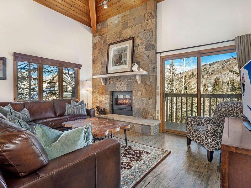 Ski-In/Out Top Floor Corner Unit, Easy Walk to BC Village, location de vacances à Beaver Creek