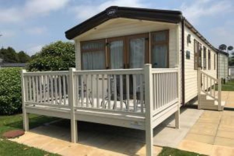 A beautiful holiday home situated virtually on the beach in South Cornwall, location de vacances à St Blazey