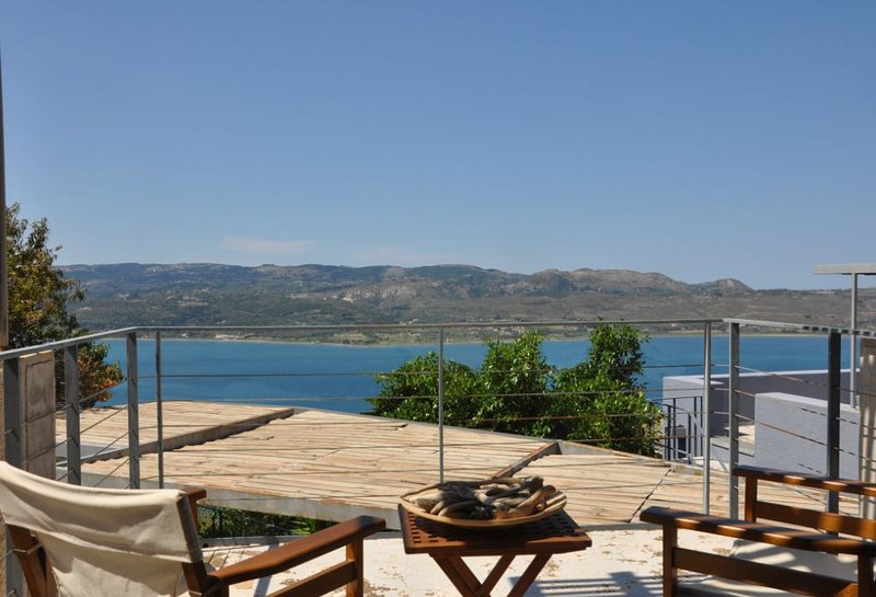 New 2020!Exceptional view-Perfect location-Discover the true spirit of Kefalonia, location de vacances à Atheras