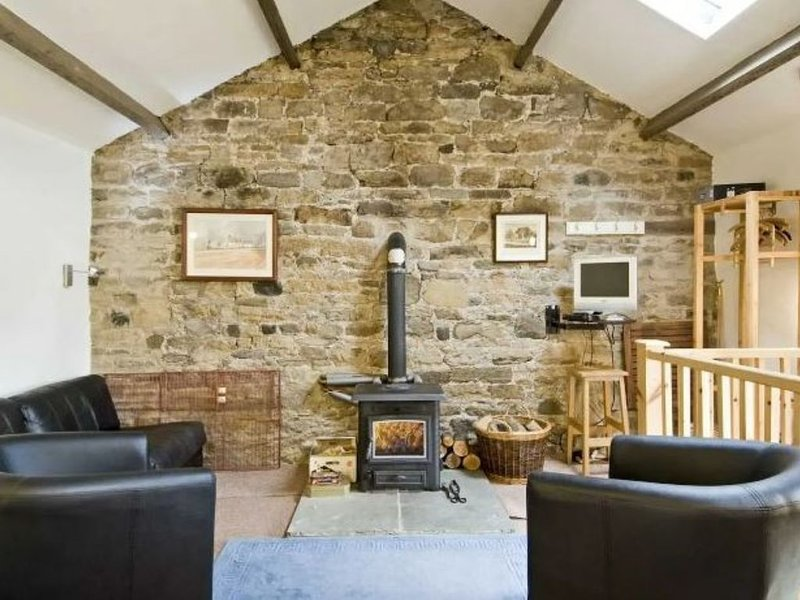 Cromer House Barn in the heart of Frosterley village, vacation rental in Wolsingham
