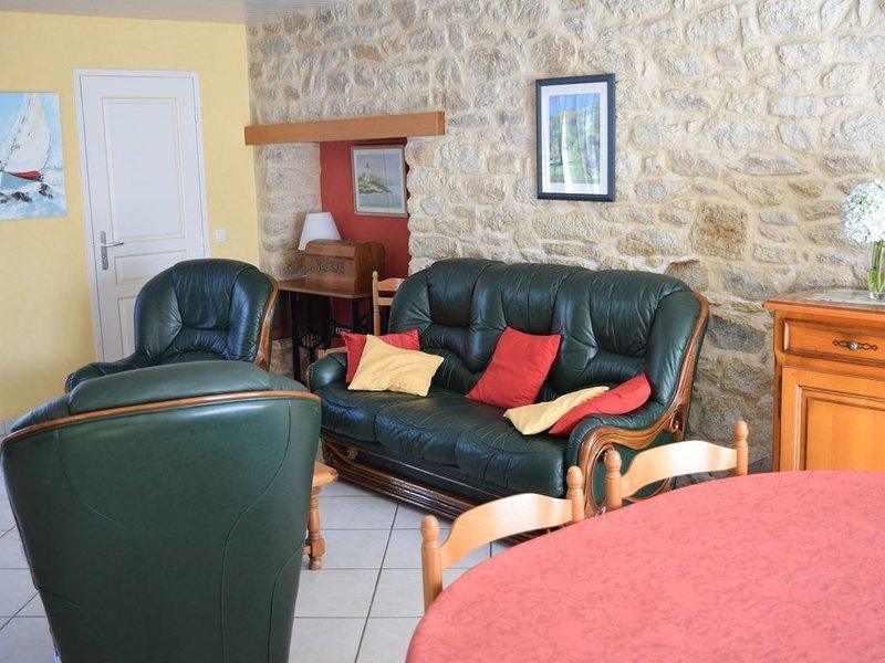 une Maison pour 5a6 pers de plein-pied sur Terrain clos, vacation rental in Arzano