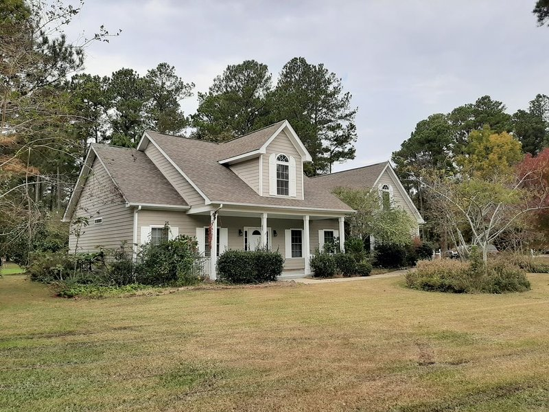 Newly purchased home in gated community., holiday rental in Edenton