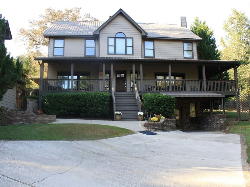 A tranquil retreat only minutes from downtown!, vacation rental in Vestavia Hills