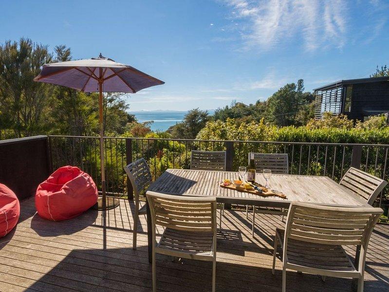 Bauhaus - Kaiteriteri Holiday Home, holiday rental in Tasman
