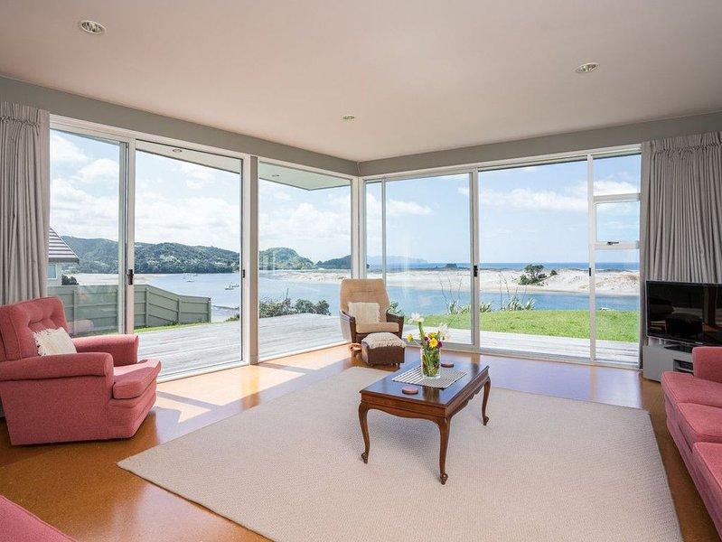 Roberts Retreat - Mangawhai Holiday Home, vacation rental in Mangawhai Heads