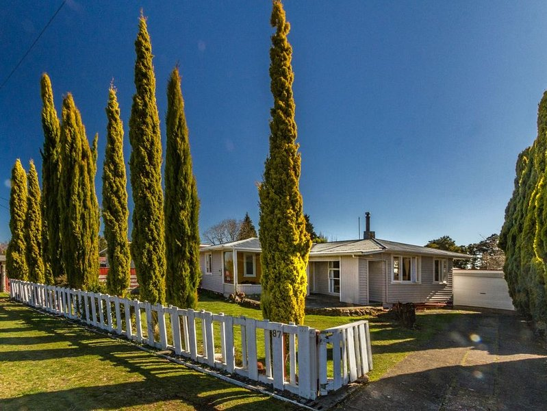 Goldfinch Goodie - Ohakune Holiday Home, alquiler vacacional en National Park Village