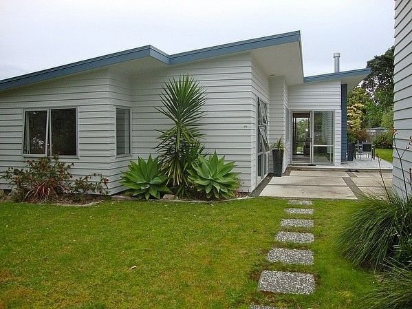 Relax at Cooks - Cooks Beach Holiday Home, holiday rental in Hot Water Beach