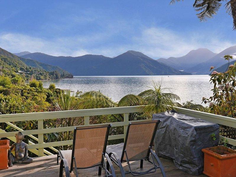 Mahakipawa Hideaway - Marlborough Sounds Holiday Home, alquiler vacacional en Marlborough Region