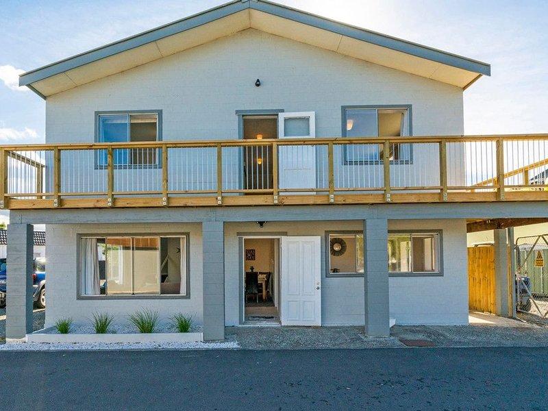 Town Centre Treat - Tairua Holiday Home, vacation rental in Tairua