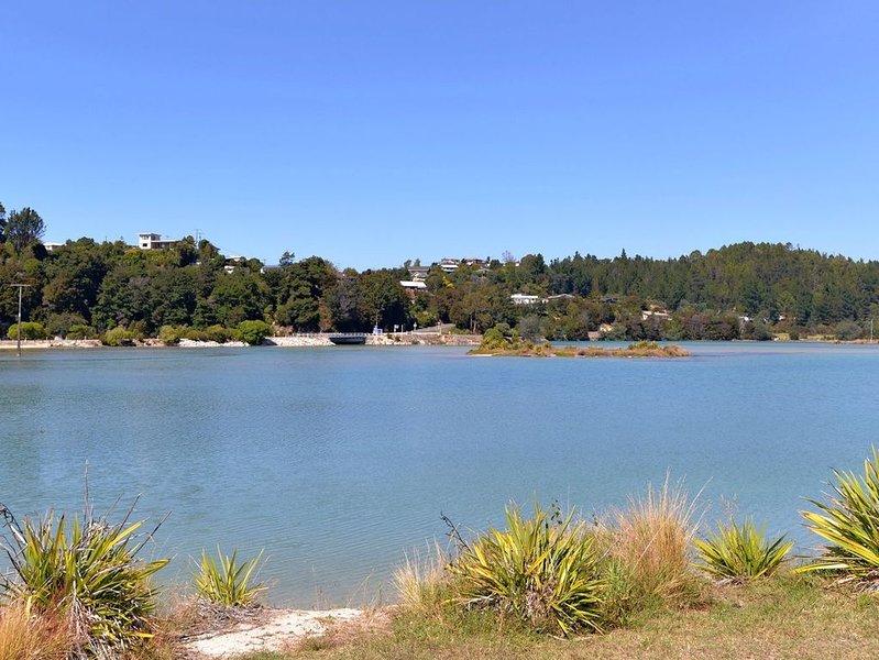 Blue Lagoon - Kaiteriteri Holiday Unit, vacation rental in Tasman