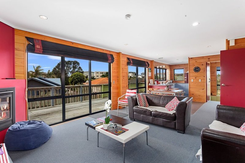 Ohope Sunshine Escape - Ohope Holiday Home, holiday rental in Ohope