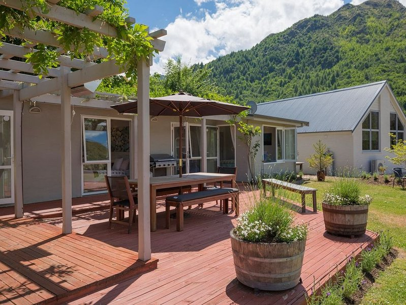 A La Mode - Arrowtown Holiday Home, holiday rental in Gibbston