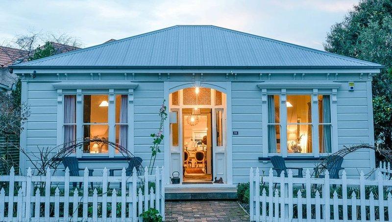 The Villa Akaroa - Akaroa Pet Friendly Holiday Home, casa vacanza a Little River