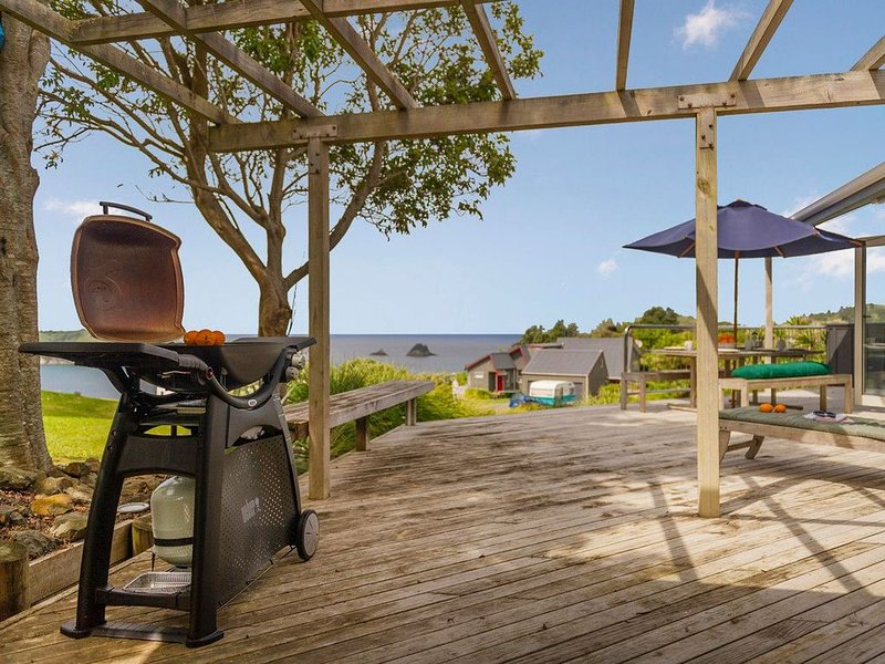 Island Outlook - Hahei Beach Holiday Home, alquiler vacacional en Hahei