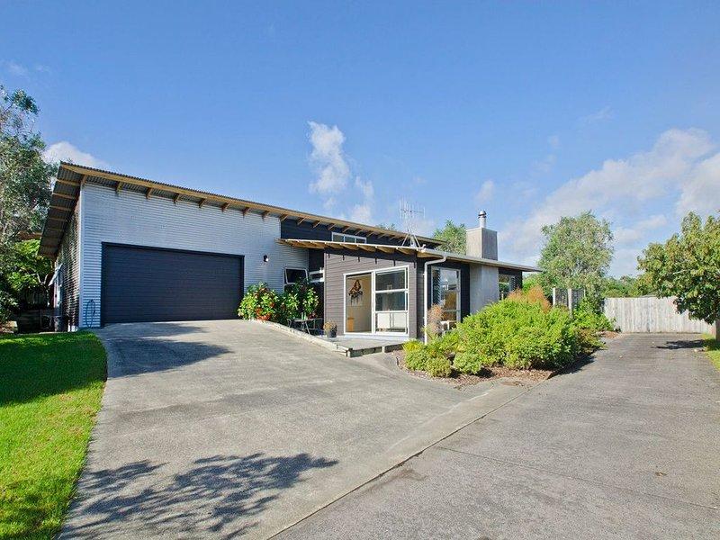 The Beach House - Ruakaka Holiday Home, holiday rental in Whangarei