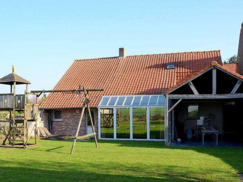 Graceful Holiday Home in Beveren aan de IJzer with Terrace, location de vacances à Bambecque